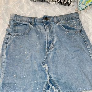 Super cute blue jeans skirt with pearls.